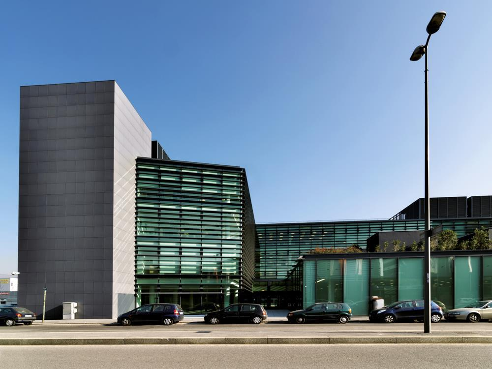 Pirelli Offices: Photo 9